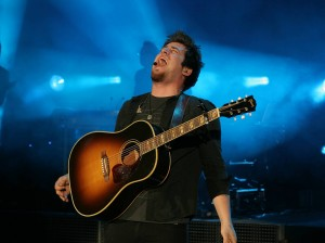 Lee DeWyze performing during this summer's American Idol tour.