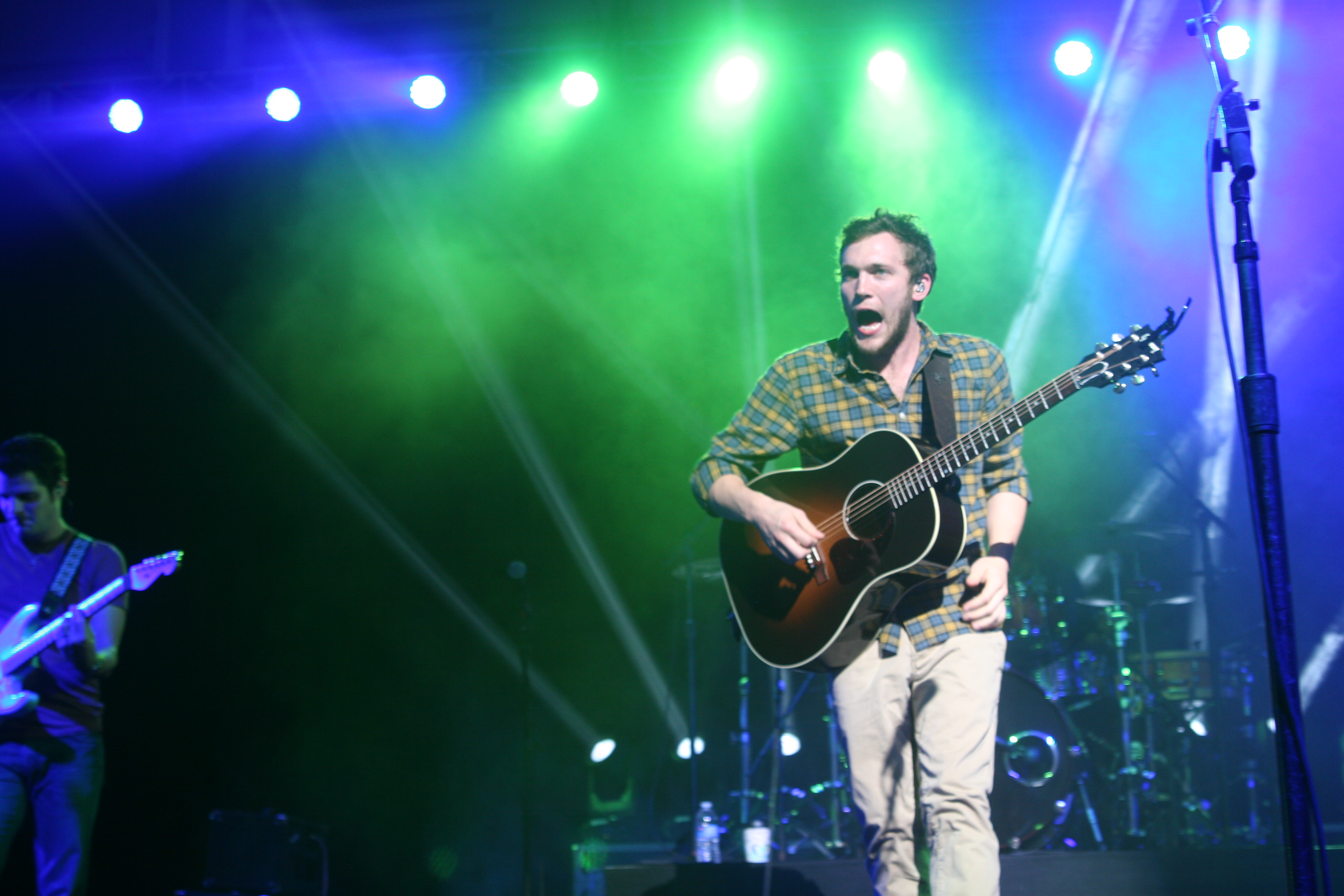 Phillip Phillips performs live at UC San Diego on Thursday, Dec. 4, 2014. (photo by Bill Pinella)