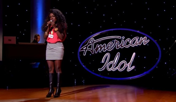 Loren Lott auditions on the Hollywood stage for American Idol. (photo: American Idol)